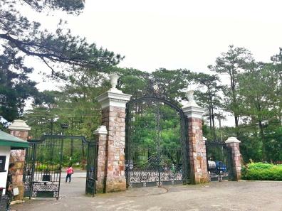 Mansion Gate